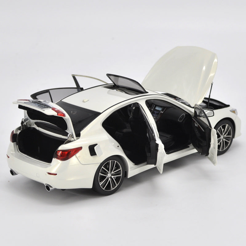 Original Authorized Authentic 1:18 Infiniti Q50S classic toy car model for christmas/Birthday gift, collection
