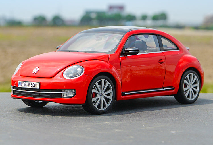 Original Authorized Authentic 1/18 Scale VW NEW BETTLE car model of children's toy classic car miniatures