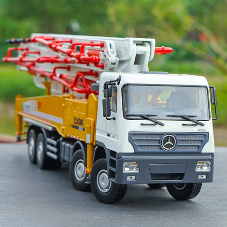 Original Authorized Authentic  1:35 Scale XCMG HB62K Concrete 62m Pump Truck Engineering Machinery Vehicles DieCast Toy  Pump Truck Model for Christmas gift,collection