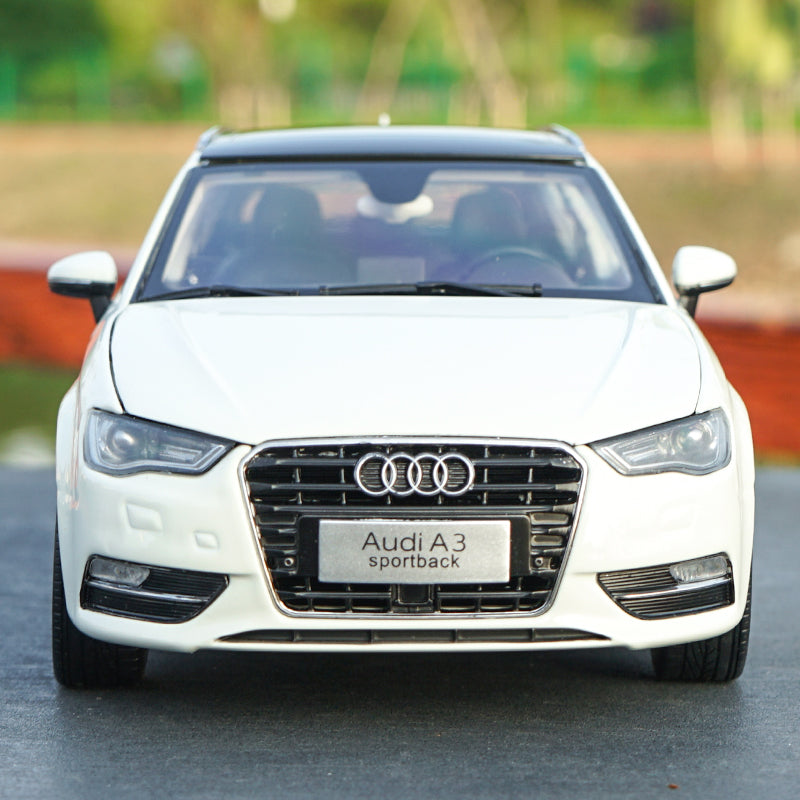 Original Authorized Authentic alloy 1/18 Scale Audi A3 Sportback DieCast classic Car Model for gift collection
