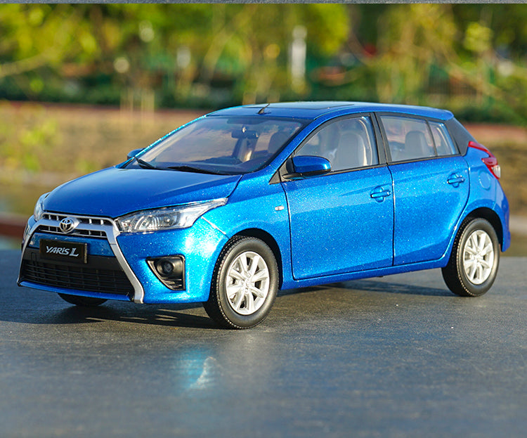 Original Authorized factory 1:18 Toyata Yaris L Car Model, Classic toy car models for gift, collection