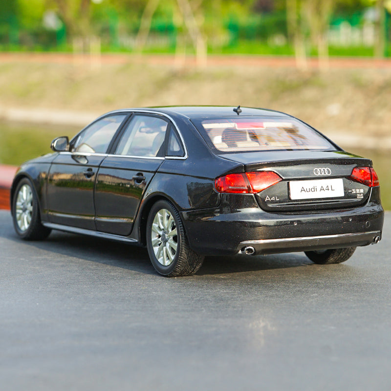 Original Authorized factory diecast 1:18 Audi A4L 2010 Diecast Metal Classic toy car Models for gift, collection