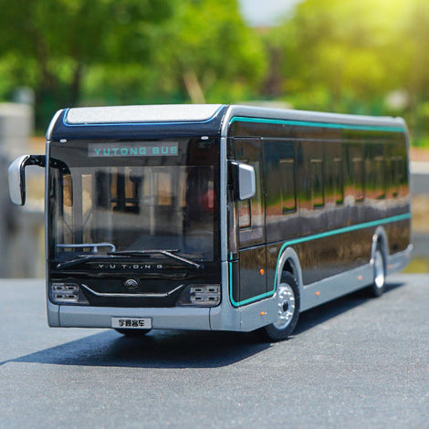 1:42 Yutong U12 Black Diamond Shanghai Pure Electric Bus With light