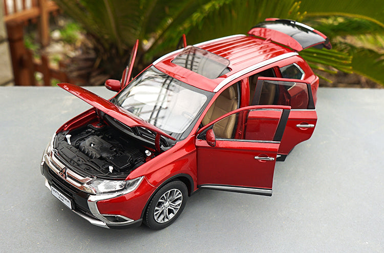 GAC Mitsubishi Outlander SUV die cast car model in scale 1:18 2016 version red/white
