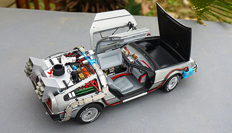 Original Hot Wheels 1:18 scale die cast DMC classic Back to The Future Time Machine with MR. Fusion