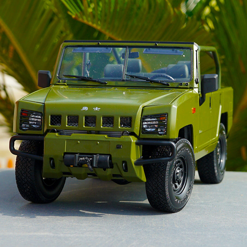 Original factory 1:18 BJC China Beiqi Warrior BJ2022JC Diecast off-road Army car model with small gift