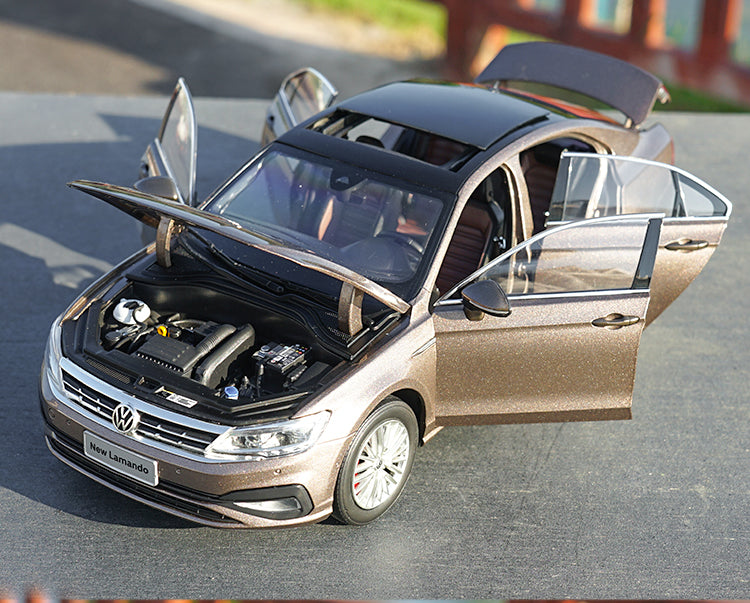 Original factory 1/18 Dealer Edition Volkswagen VW All NEW Lamando 2019 Diecast Car Model with small gift