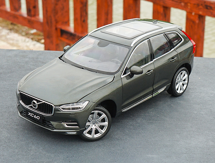 Original factory 1:18 Volvo NEW XC60 Sport version Alloy Metal classic toy models for gift, collection