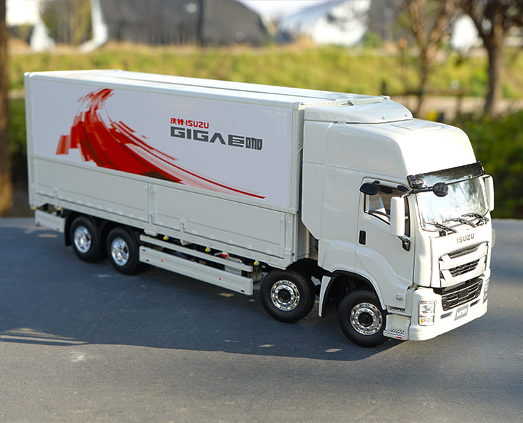 Original factory 1:32 ISUZU GIGA 4X2 Van Express Container Truck Vehicles Models for collection, gift