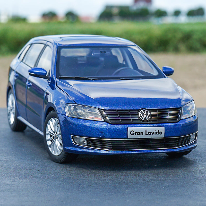 Original factory diecast 1:18 VW Blue Gran Lavida classic metal toy models for Birthday/christmas gifts, collection
