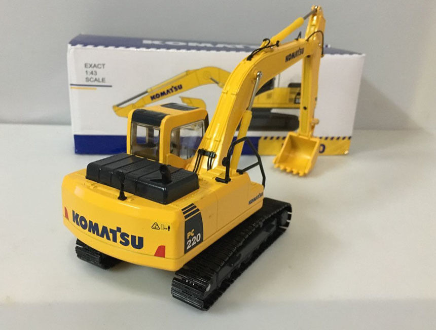 1/43 Scale Die-Cast Model, High quality Komatsu PC220-8 Hydraulic Excavator With Metal Track