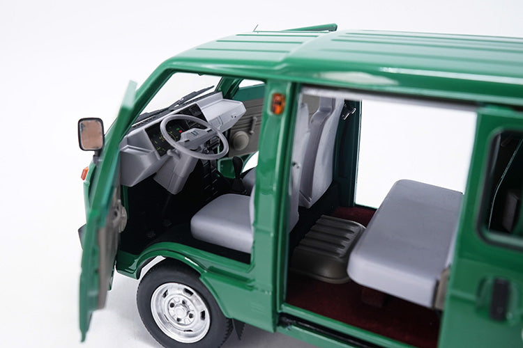 1/18 Die cast Tianjin DAFA HUALI TJ110 ( DAIHATSU ) van Taxi wagon model Green version