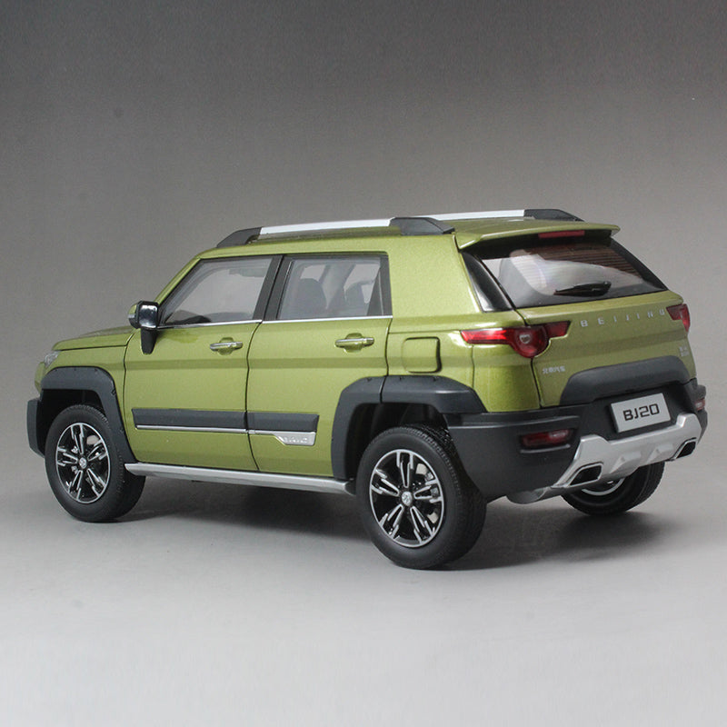 Diecast 1:18 Car Model Beijing Jeep BJ20 1:18 (Green, White, Blue)