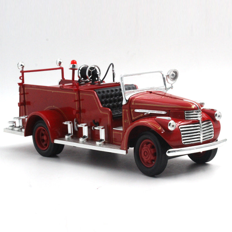 Diecast vintage diecast car model, Road Signature 1941 GMC Fire Engine Red with Accessories (1:24)