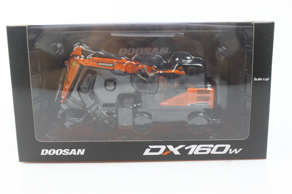 VERY RARE! UH8134 1:50 Doosan DX160W Wheeled Excavator Diecast Model