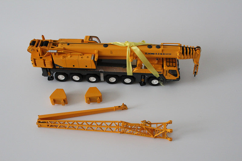 1:50 XCMG original  QAY200K QAY200T 200 ton die cast crane models for collection, gift