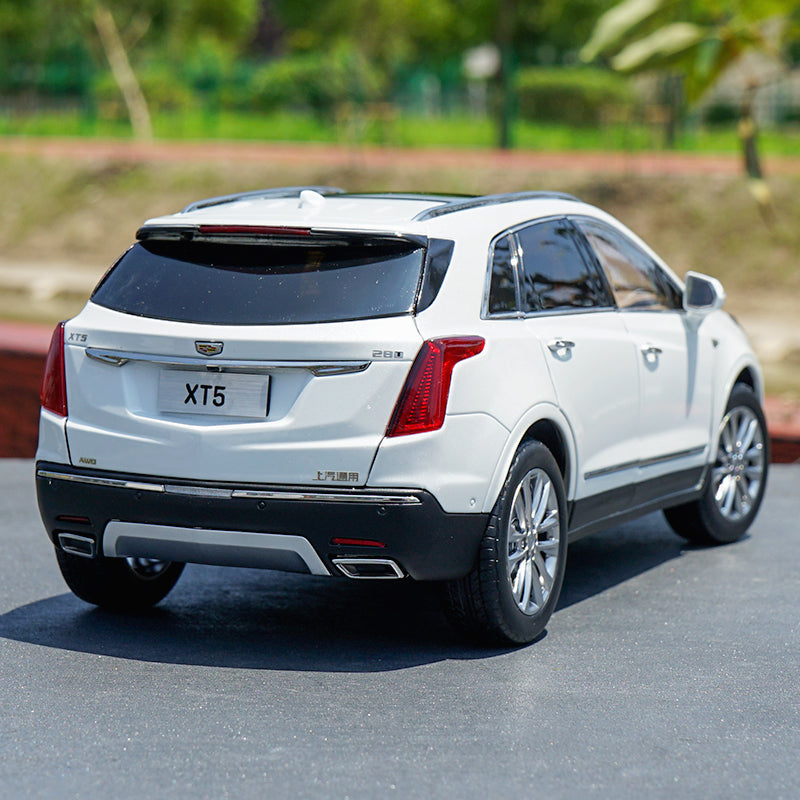 Original Authorized Authentic 1/18 Scale CADILLAC XT5 2016 SUV White Diecast Car Model for birthday/christmas gift,collection
