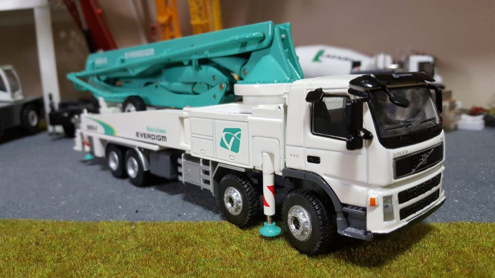 High quality 1/50 Everdigm Volvo Concrete Pump Truck ECP52CX/52CX-5 Die Cast Model