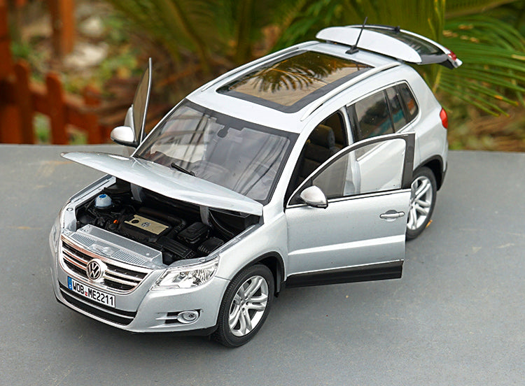 original 1/18 Norev Volkswagen VW Tiguan (Silver) Diecast Car Model with small gift