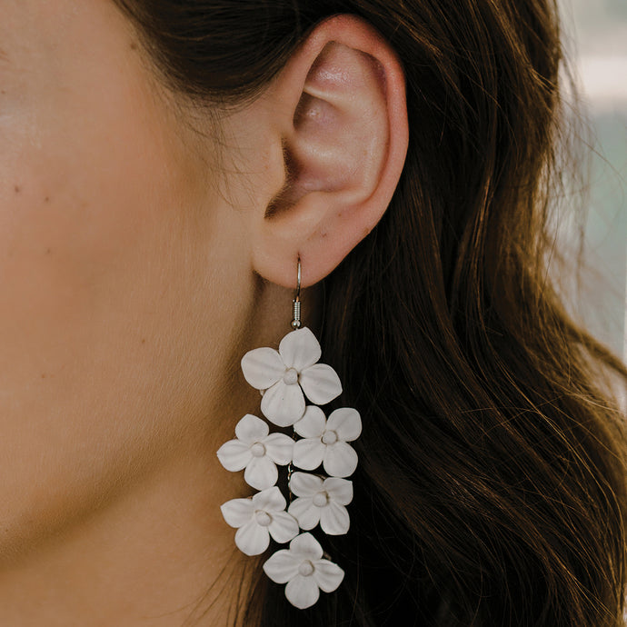 E2160 Ivory Floral Bridal Earrings