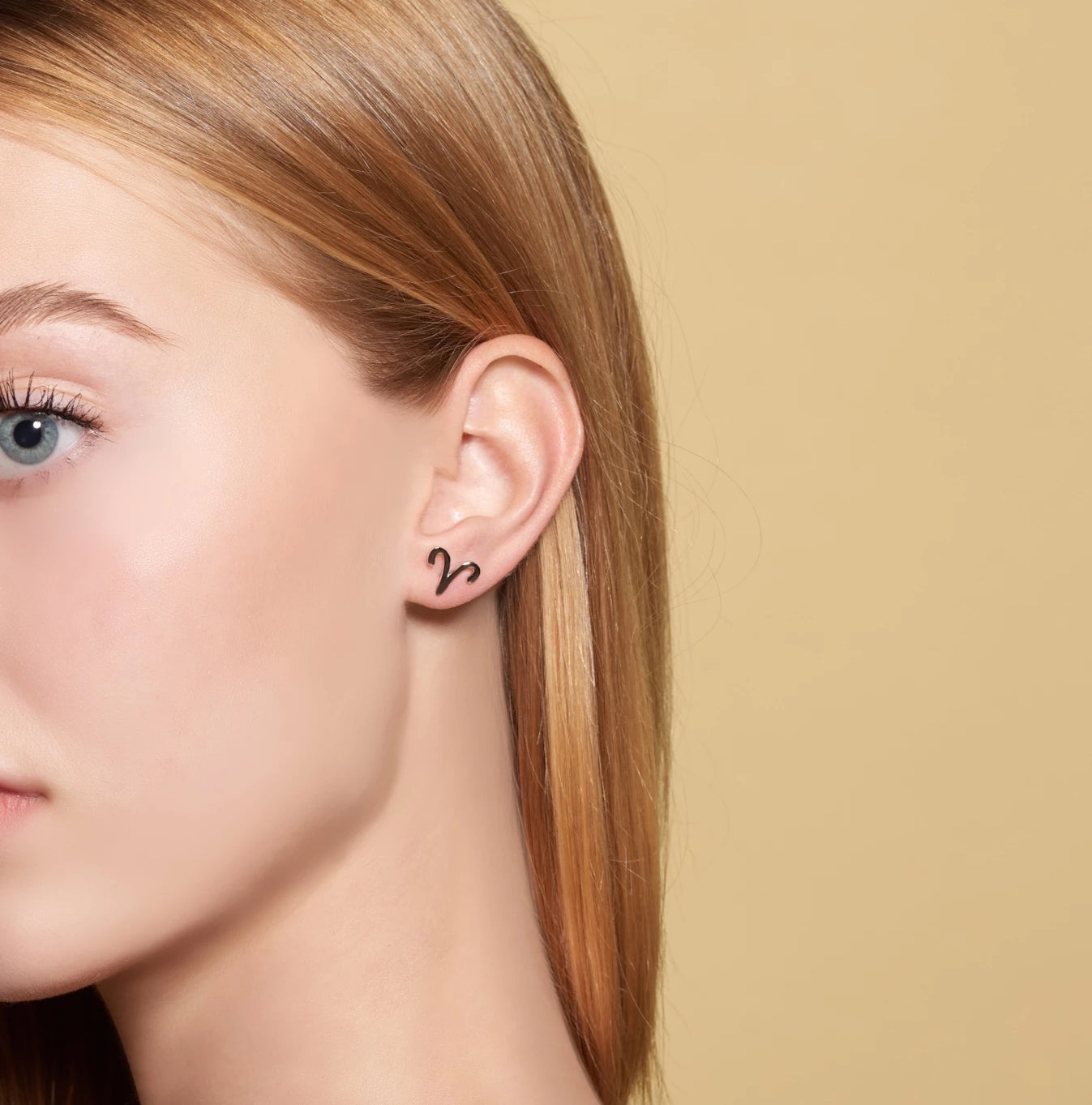 Gold Zostud earrings