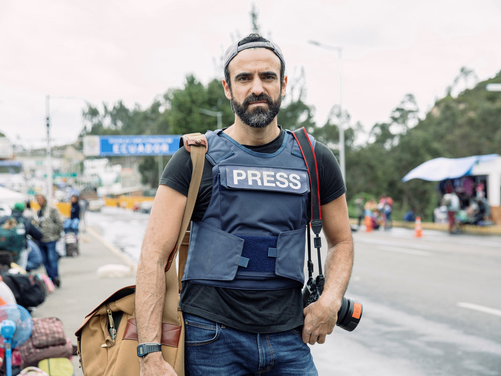 Paddy Dowling In 2018 covering the Venezuelan Refugee crisis with his Billingham 555 (in Khaki FibreNyte and Tan Leather) on the Ecuador/Columbian border.