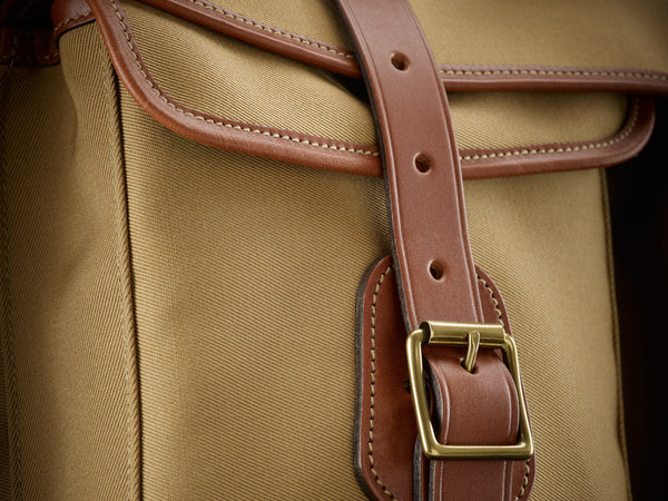 Billingham 550 front pocket and buckle