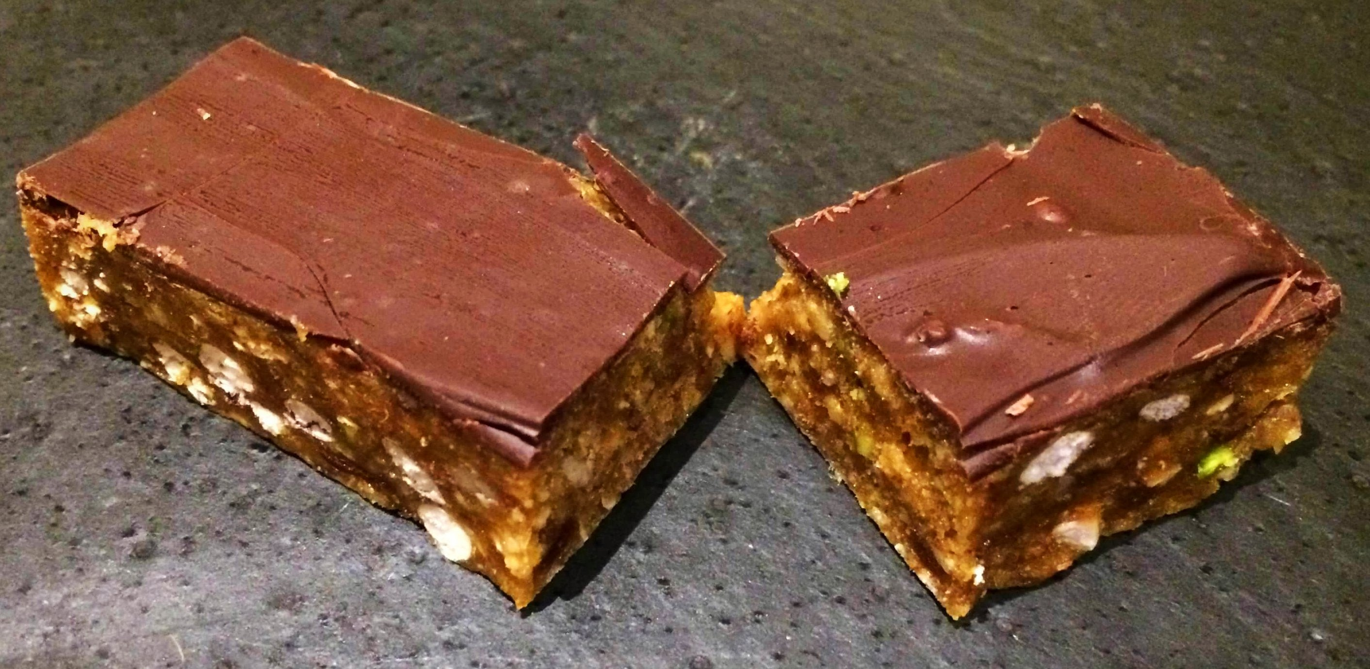 DARK CHOCOLATE & PEANUT BUTTER (20 x 40g bars)