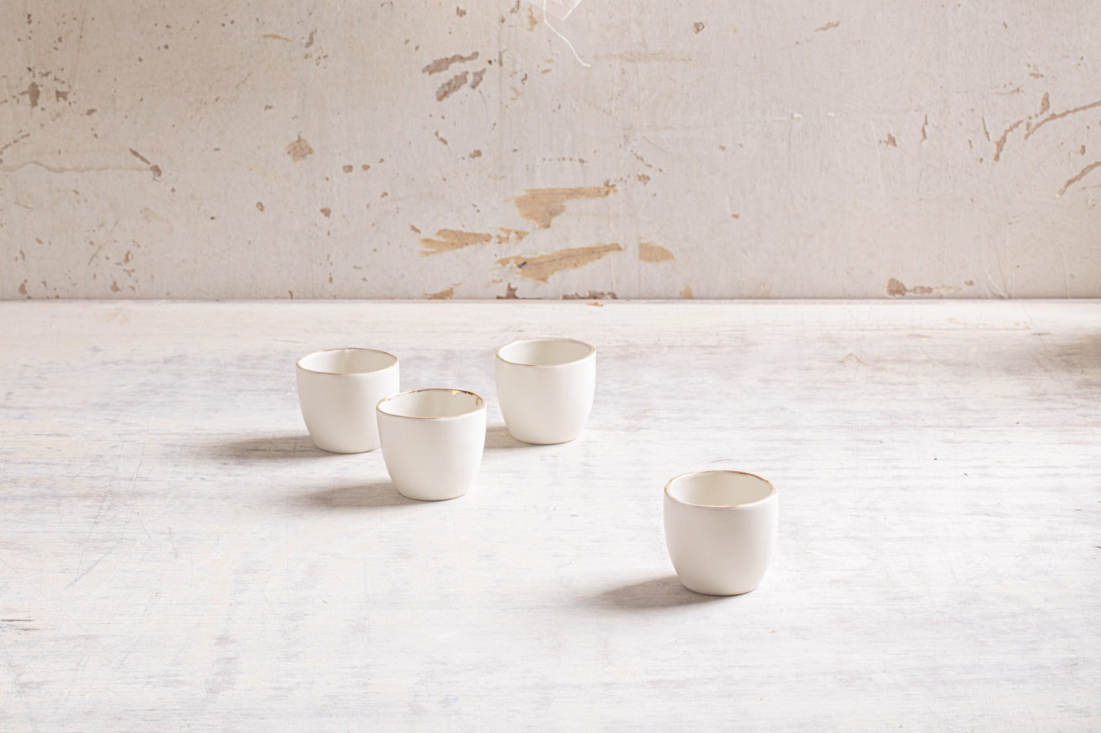 Porcelain tiny cup set