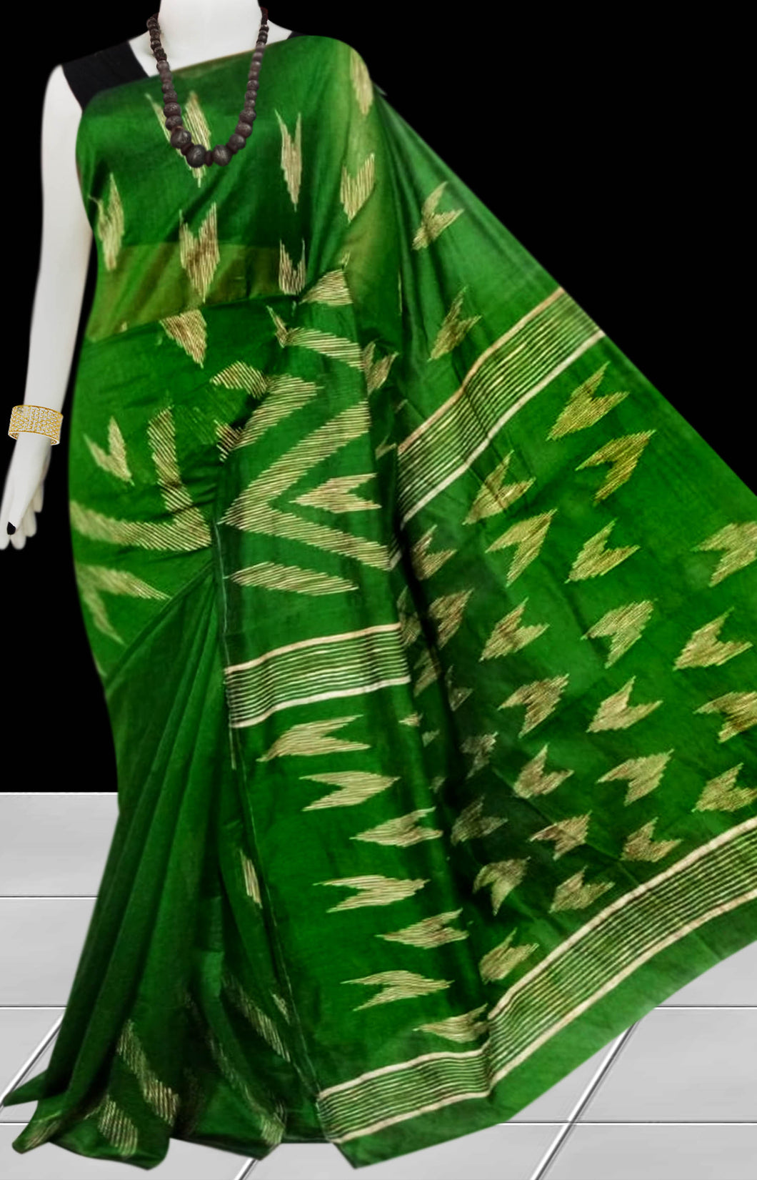 Bottle Green Color Cotton silk handloom saree with Arrow pattern ghicha work