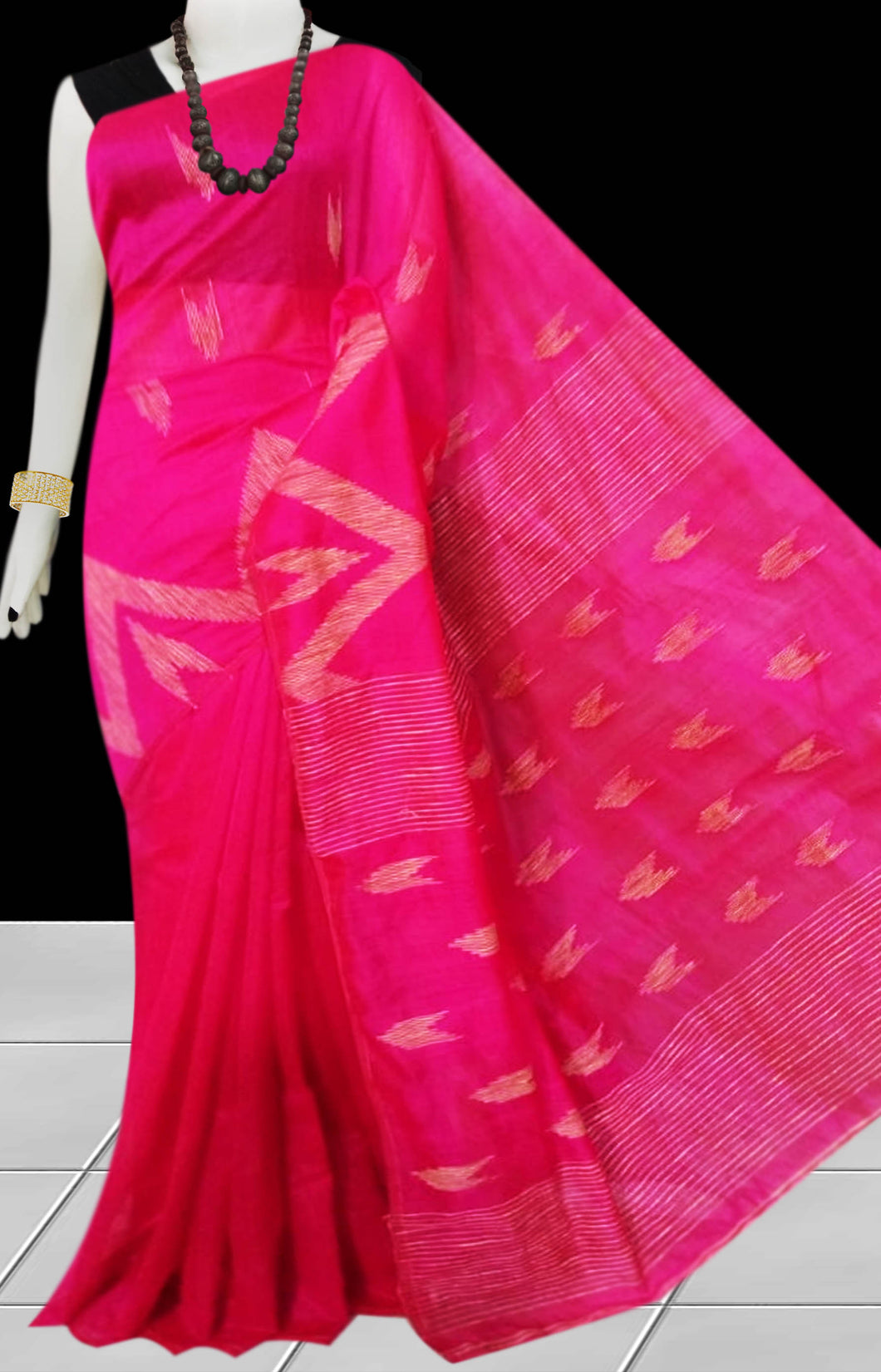 Rani Color Cotton silk handloom saree with Arrow pattern ghicha work