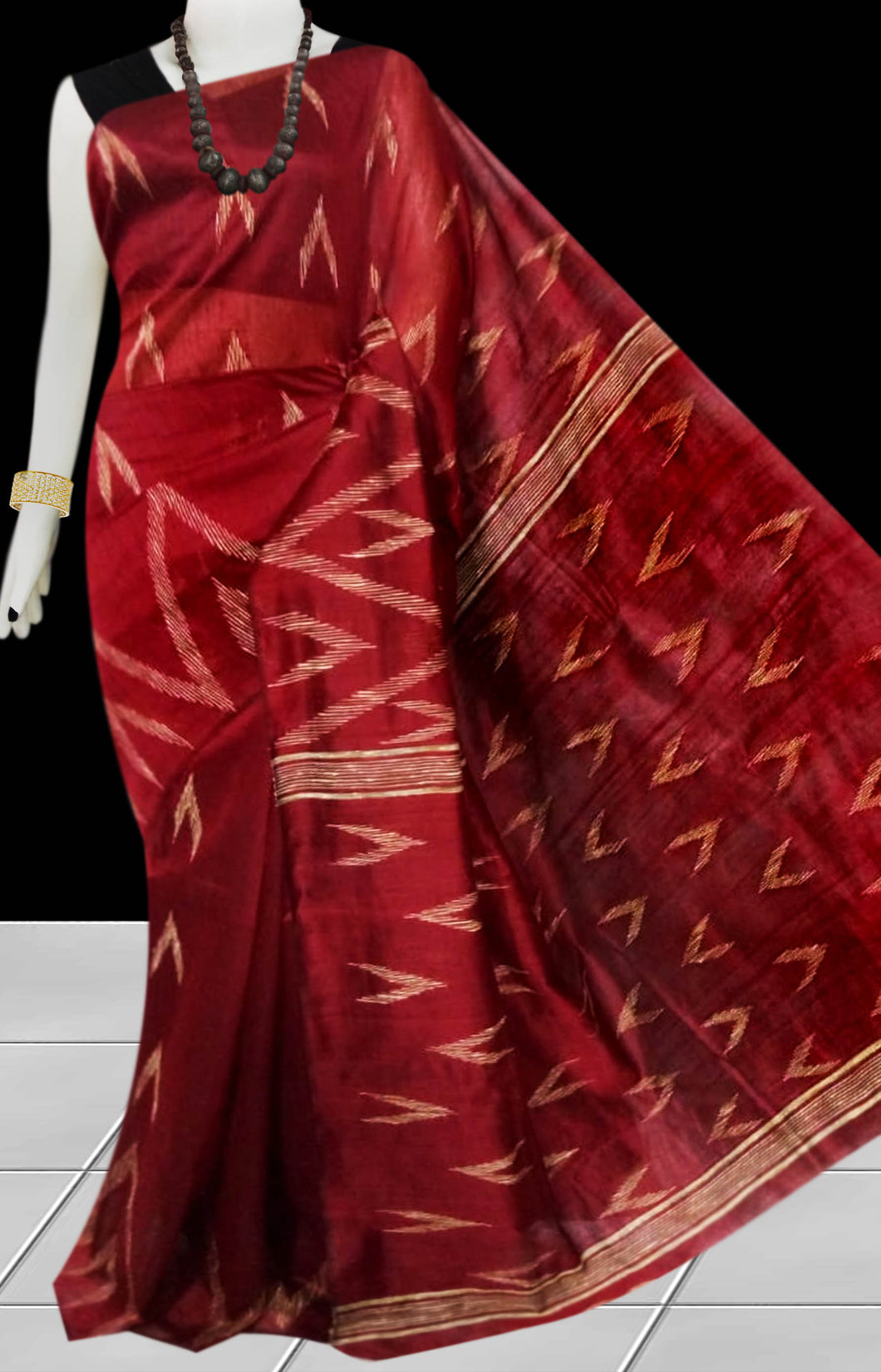 Maroon Color Cotton silk handloom saree with Arrow pattern ghicha work