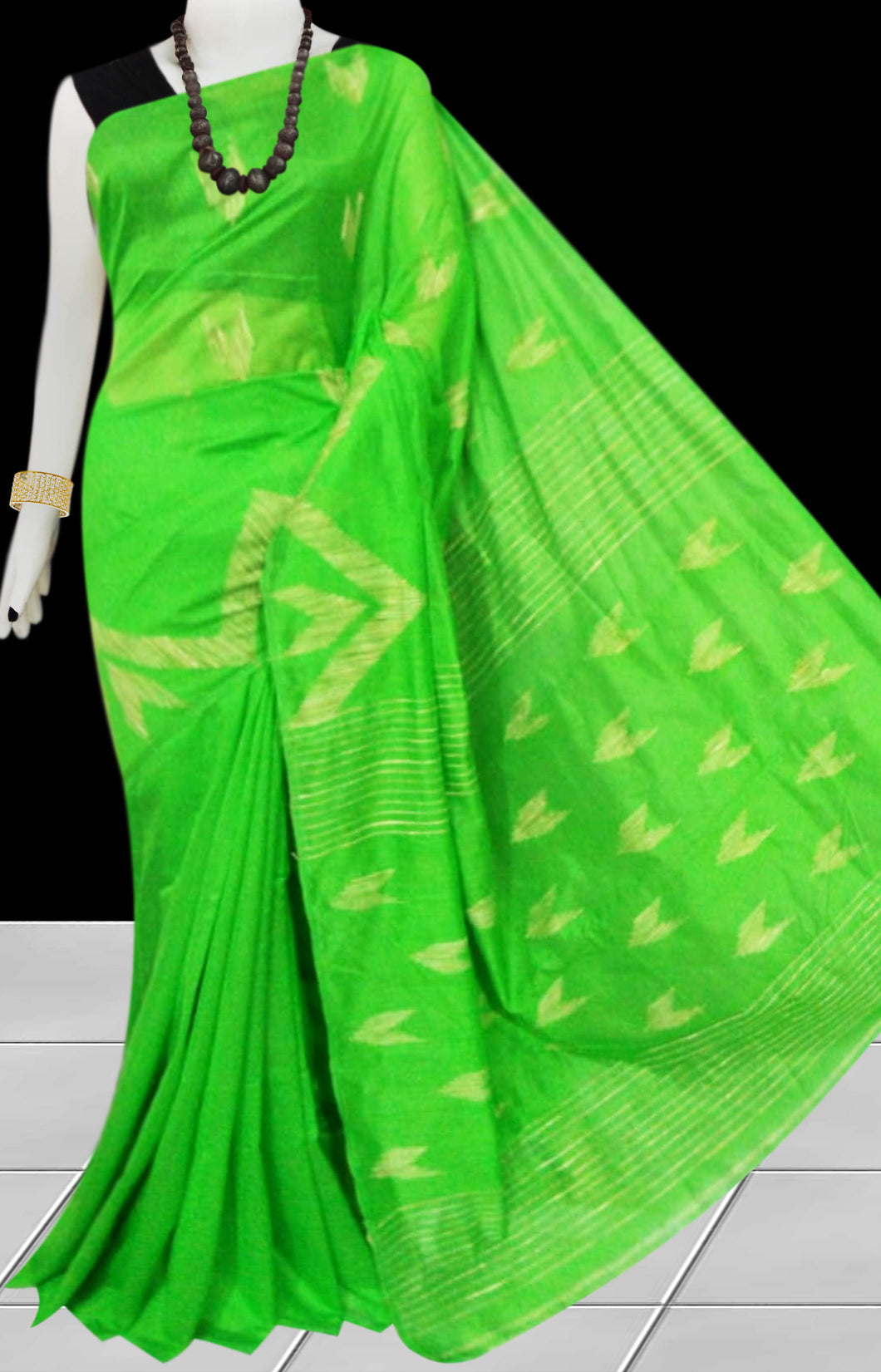 Light Green Color Cotton silk handloom saree with Arrow pattern ghicha work