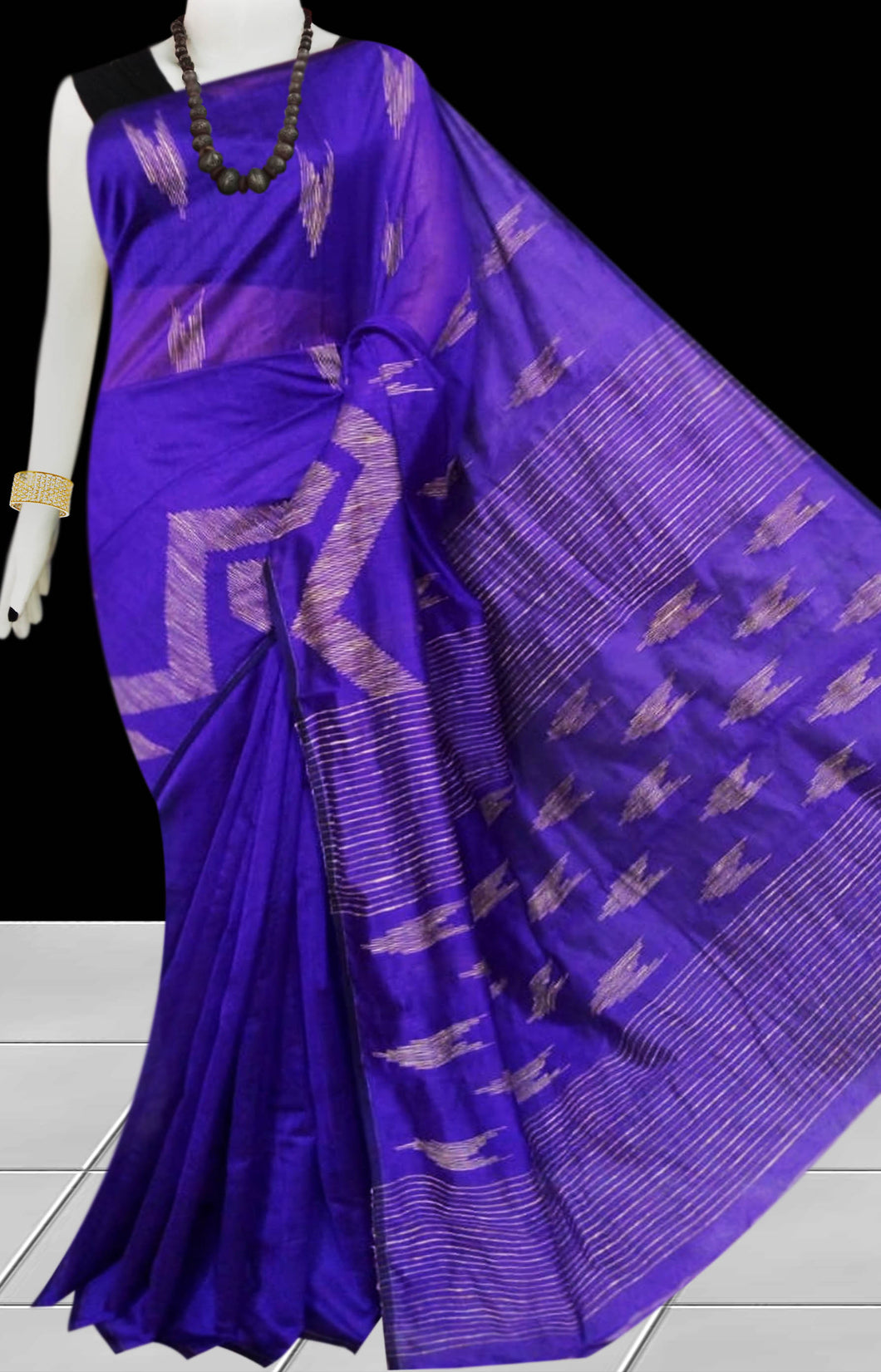 Violet Color Cotton silk handloom saree with Arrow pattern ghicha work