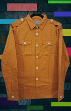 Medalionj yellow shirt contrast color