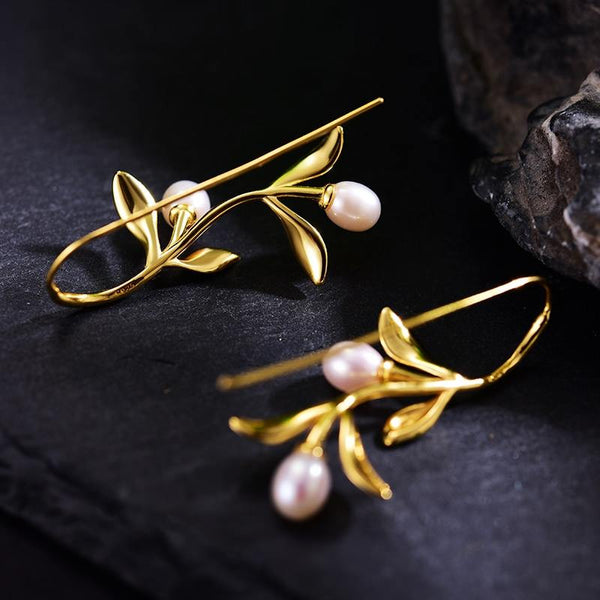 Drop Earrings with leaves & pearls