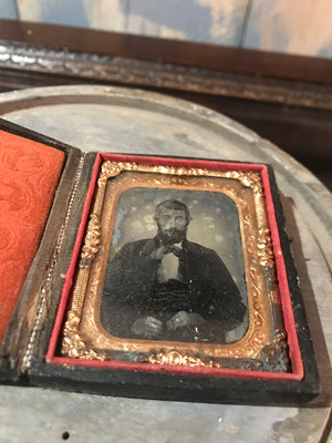 A 19th Century daguerreotype cased photograph of a gentleman