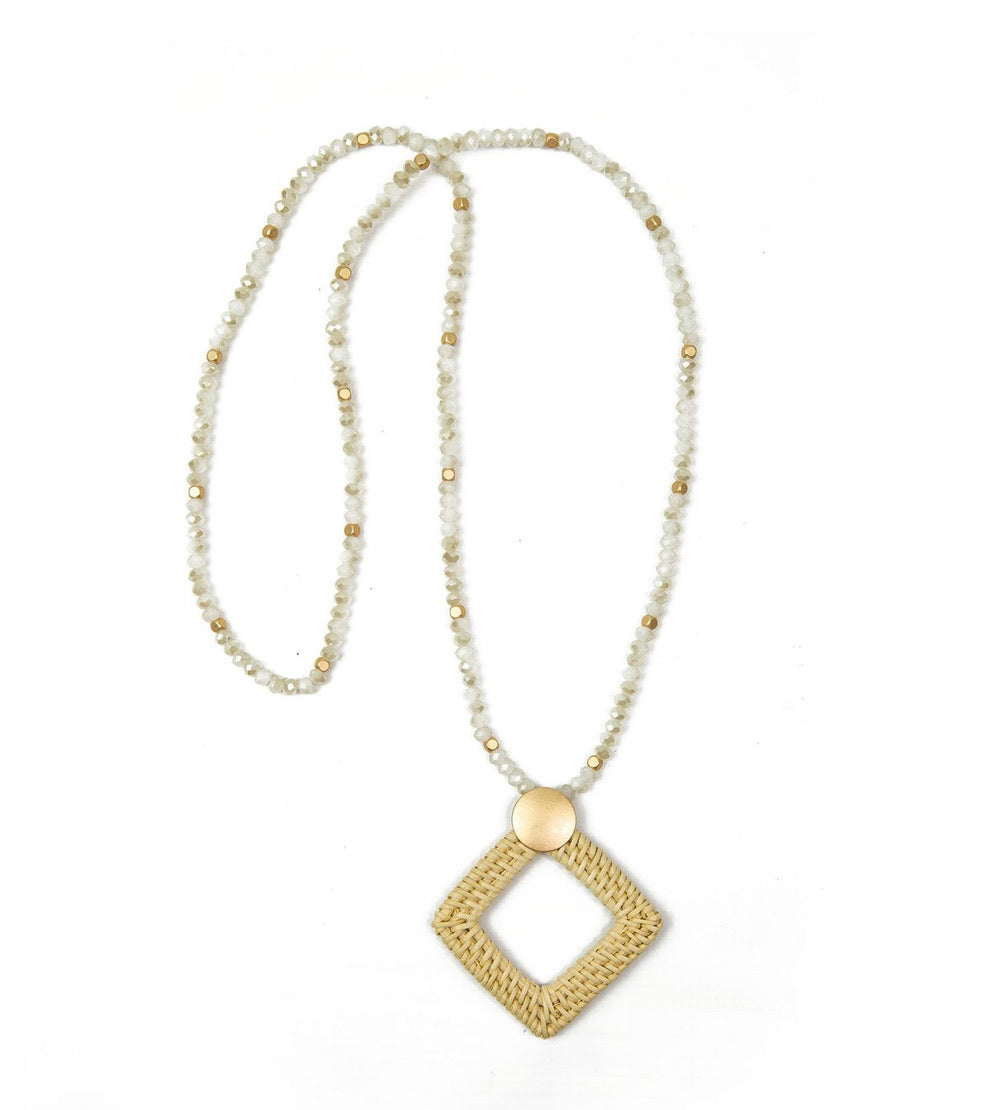 Avon Necklace in Ivory