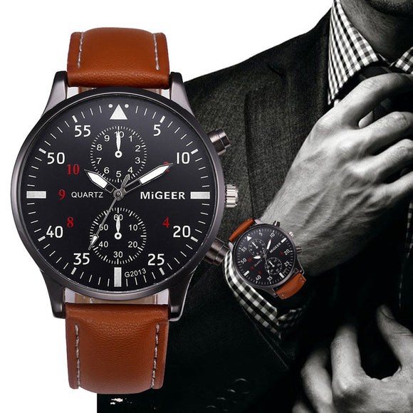 Mens watch with retro design and leather band