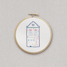 Little House - embroidery kit - Kit de broderie - Rose Céladon