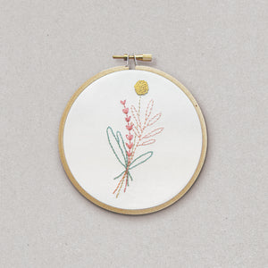 Sweet Branches - embroidery kit - Kit de broderie - Rose Céladon