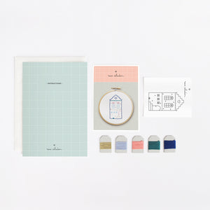 Mini kit de broderie - Mini embroidery kit - Little House - Rose Céladon