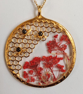 Honeycomb & Alyssum Flower Pendant