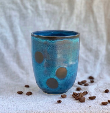 BLUE CUP, BLACK DOTS