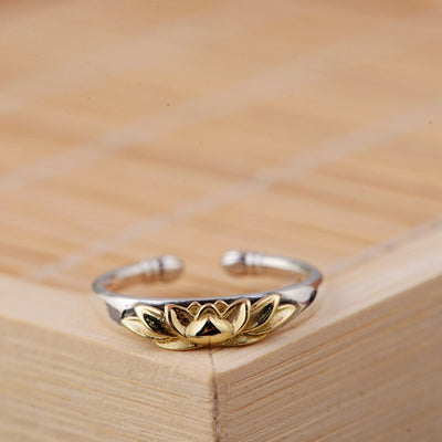 Retro Lotus Ring