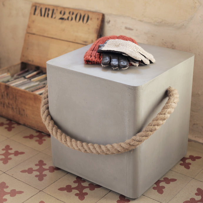 concrete rope + wheels stool