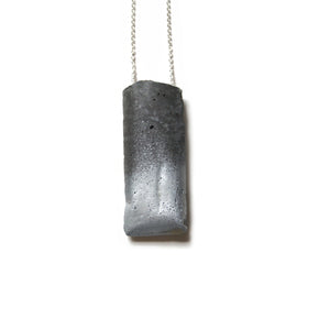 concrete metallic + black necklace