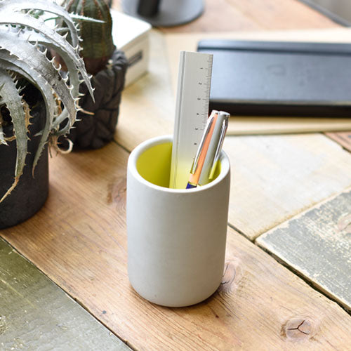 concrete kuramae pen holder