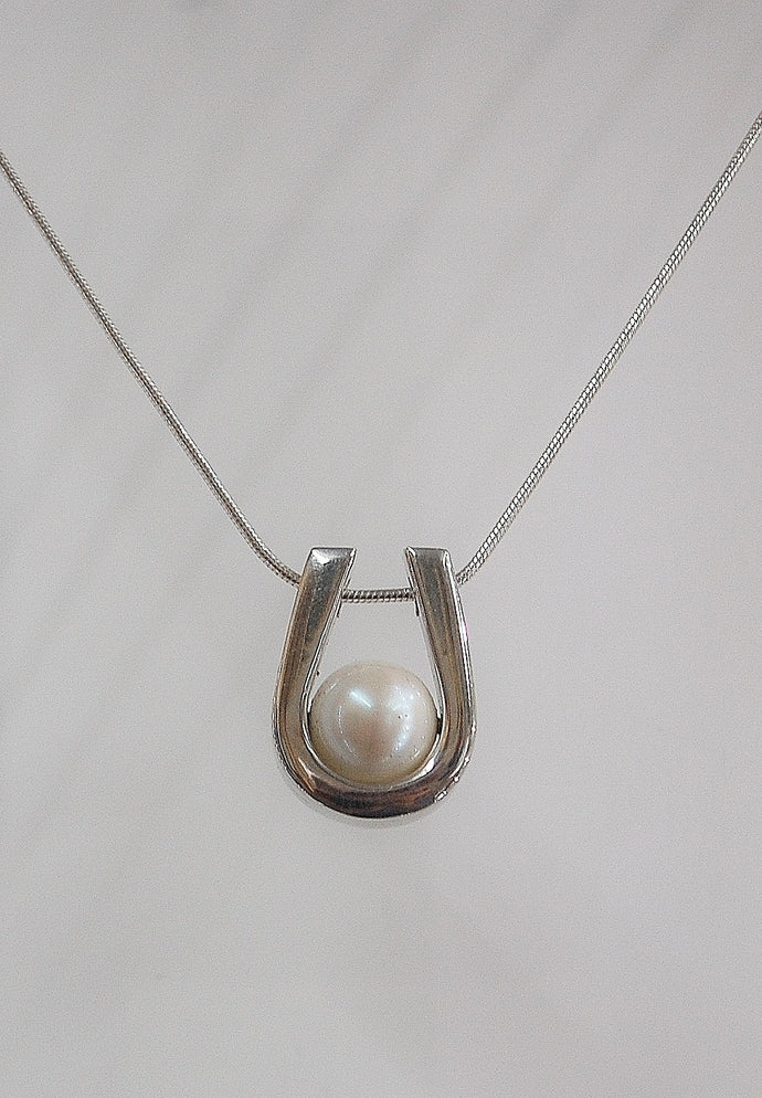 Eternal - Freshwater pearl necklace