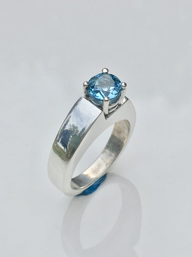 Step Up - Blue Topaz & Sterling silver ring